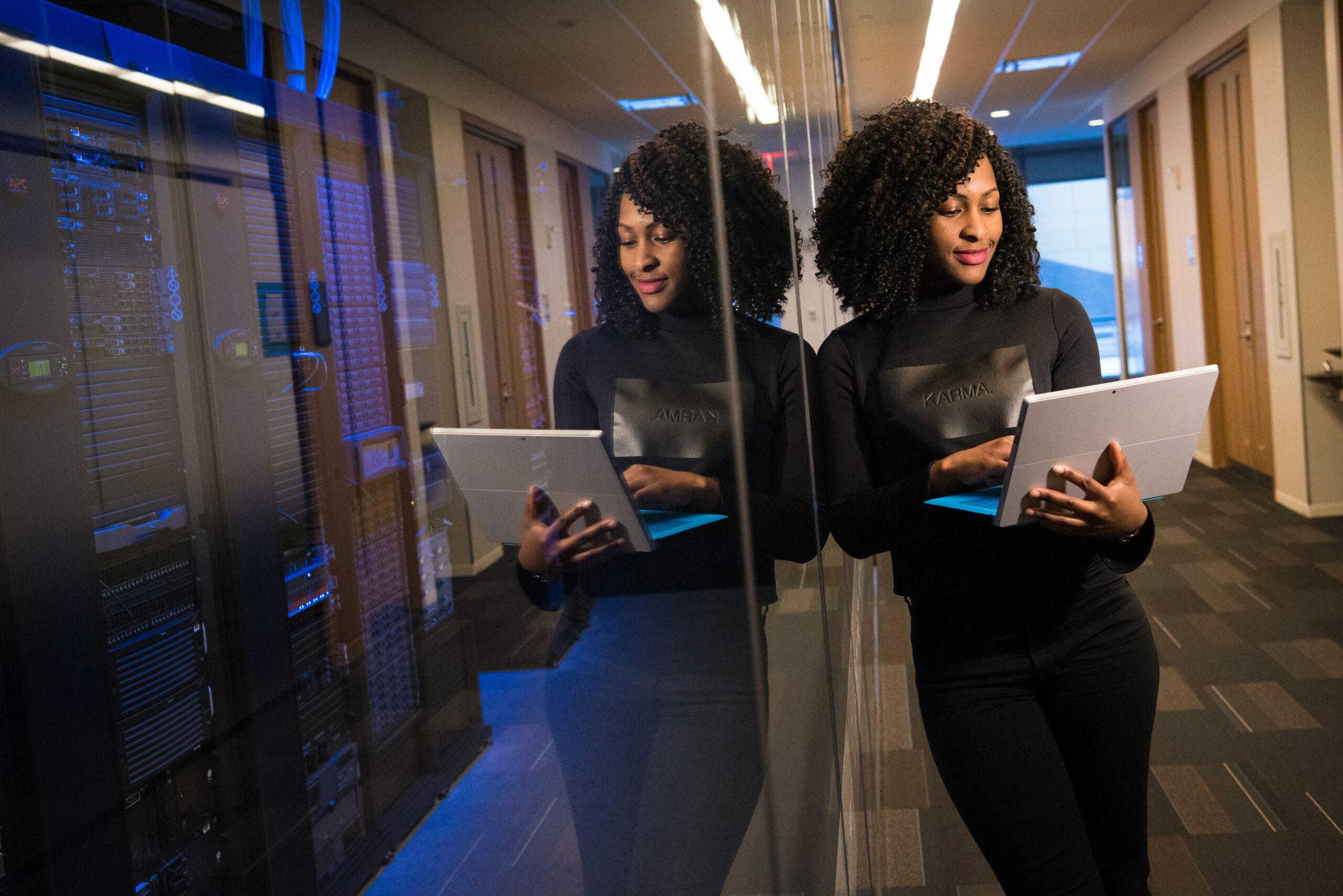 Outsourcing IT czy i kiedy jest potrzebna zabezpieczenie informatyczne dla średnich firm? post thumbnail image